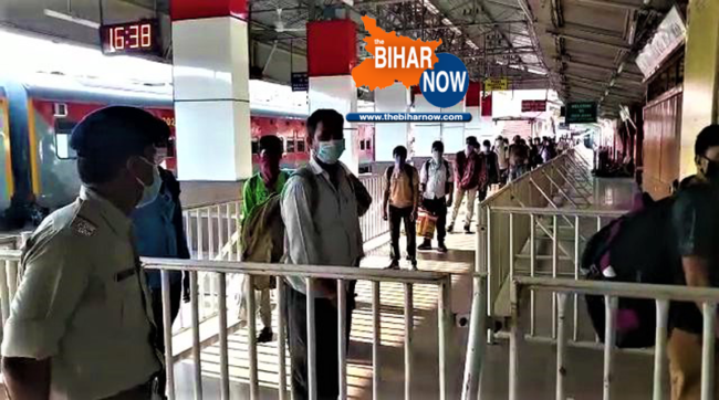 tbn special train reached at gaya stn from surat