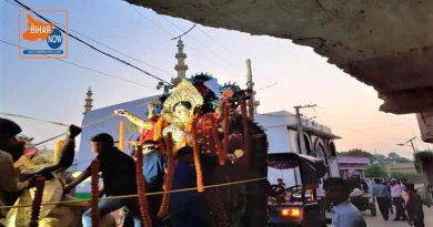 साम्प्रदायिक सौहार्द व भाईचारे के बीच नम आंखों से मां दुर्गा को दी गई विदाई
